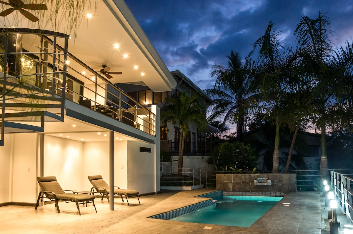 LUXURY HOME W/ POOL PART OCEAN VIEW