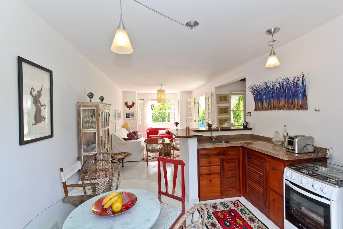 Kitchen and integrated living room/Cozinha e Sala de Estar Integrada