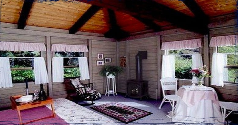 The Cove Room With Queen Bed