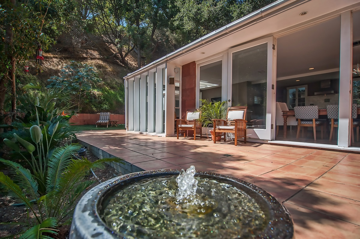Beautiful Bel Air Treehouse Retreat