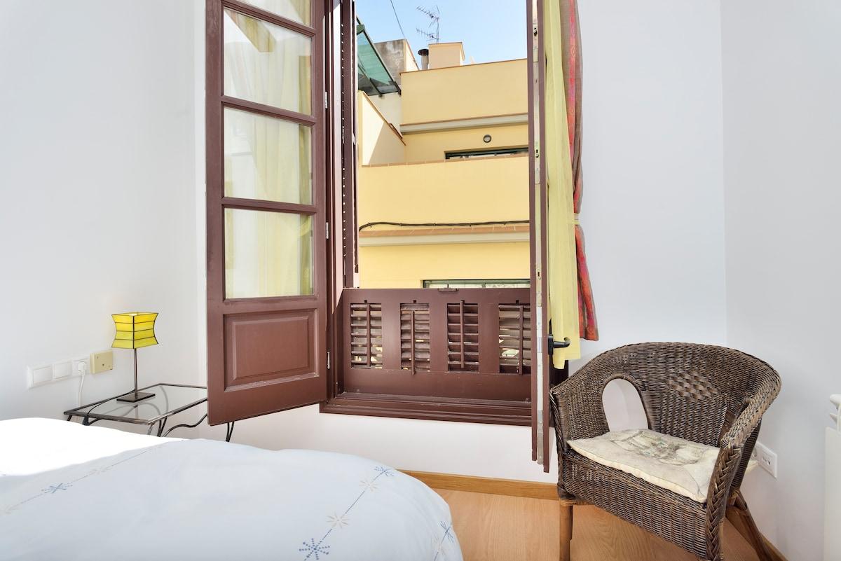 Private romantic room near beach