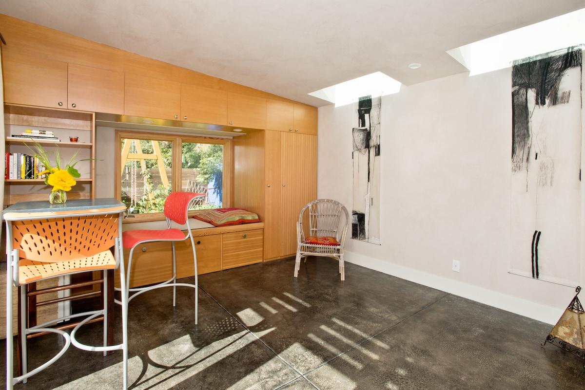 Private Garden Studio Retreat Space