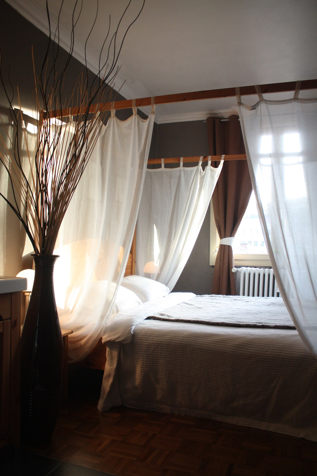 B&B-Romantic Room-Art deco house