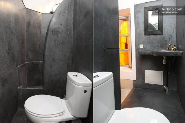Liqamt bathroom with shower