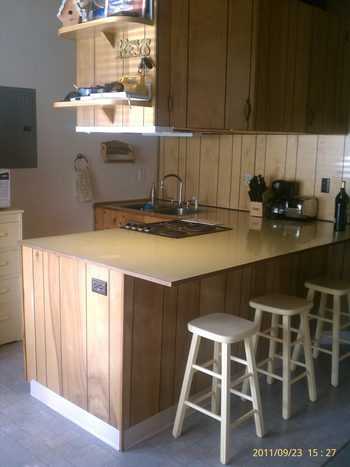 Quaint, fully equipped kitchen