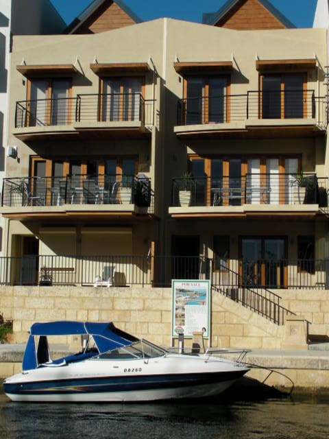 luxury house on the grand canal in