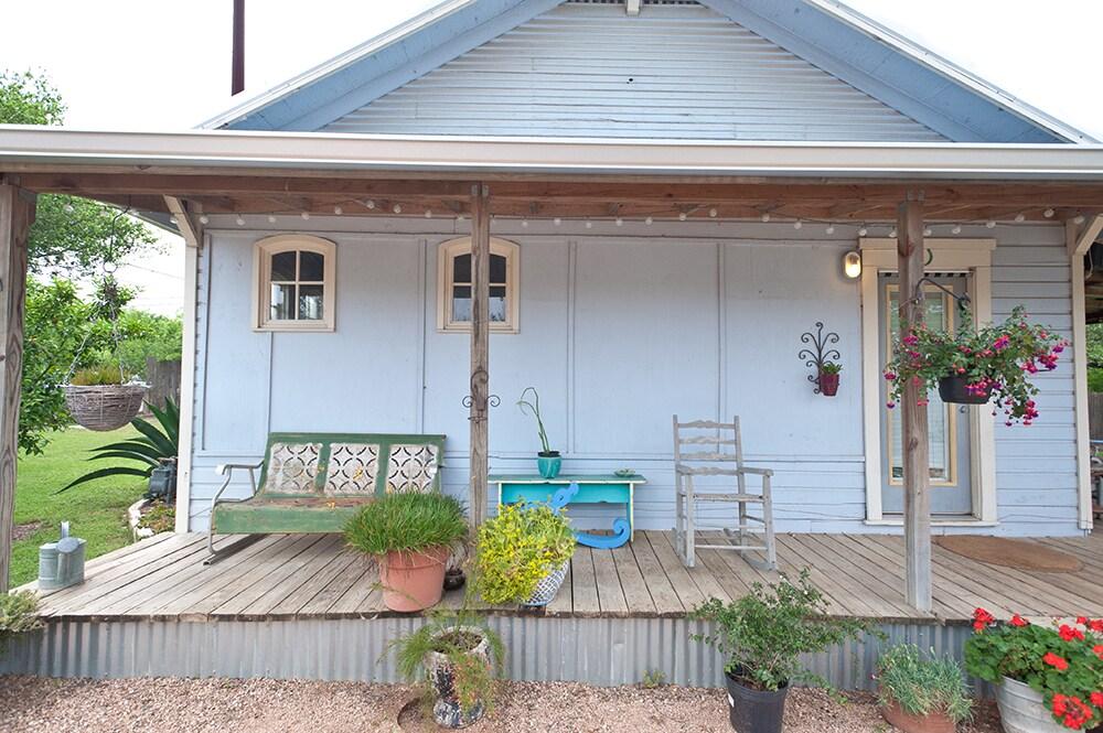 The famous porch.