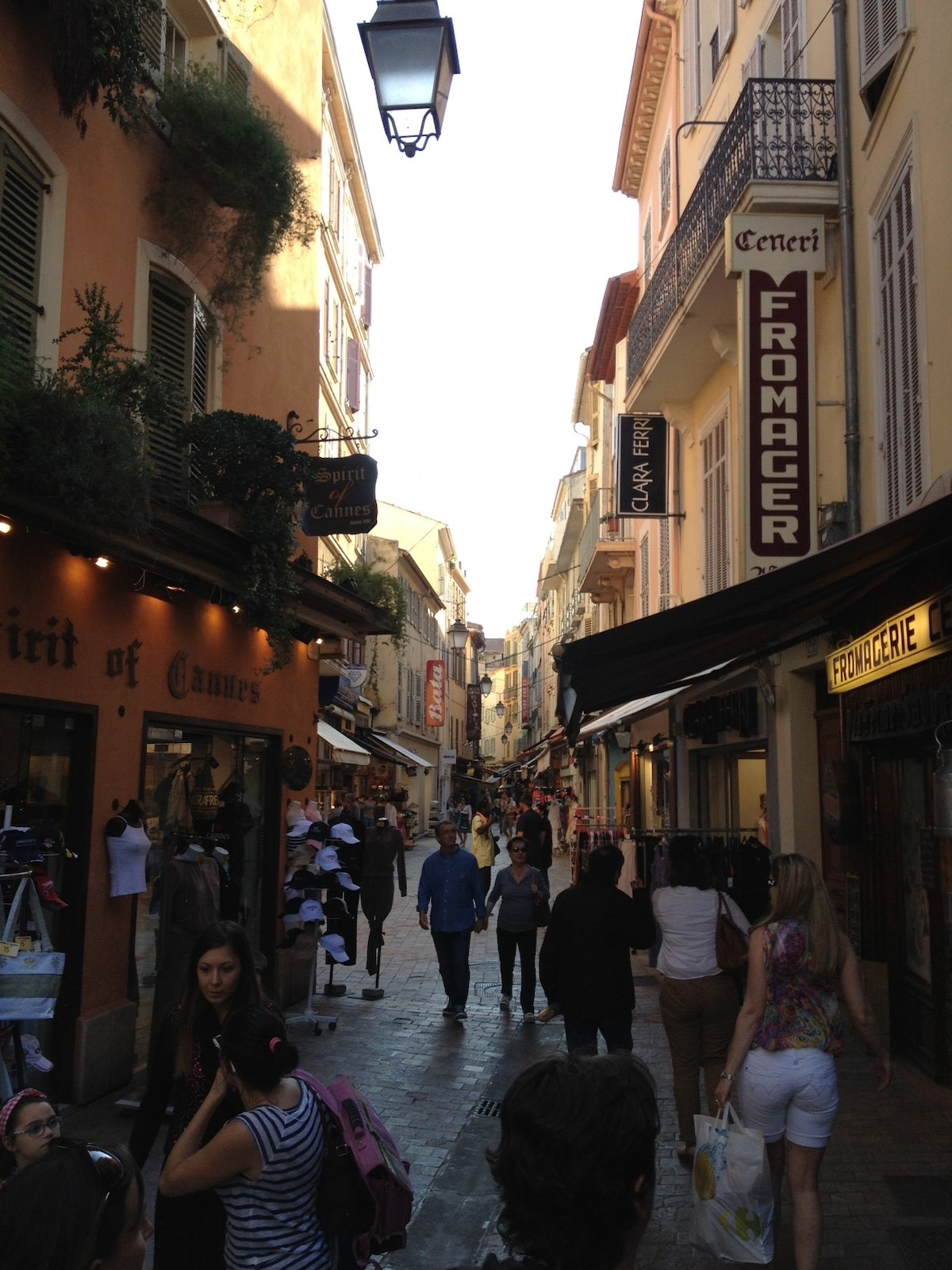 Typical mediterraneen street where you'll live, in the heart of Cannes and near the seaside.
