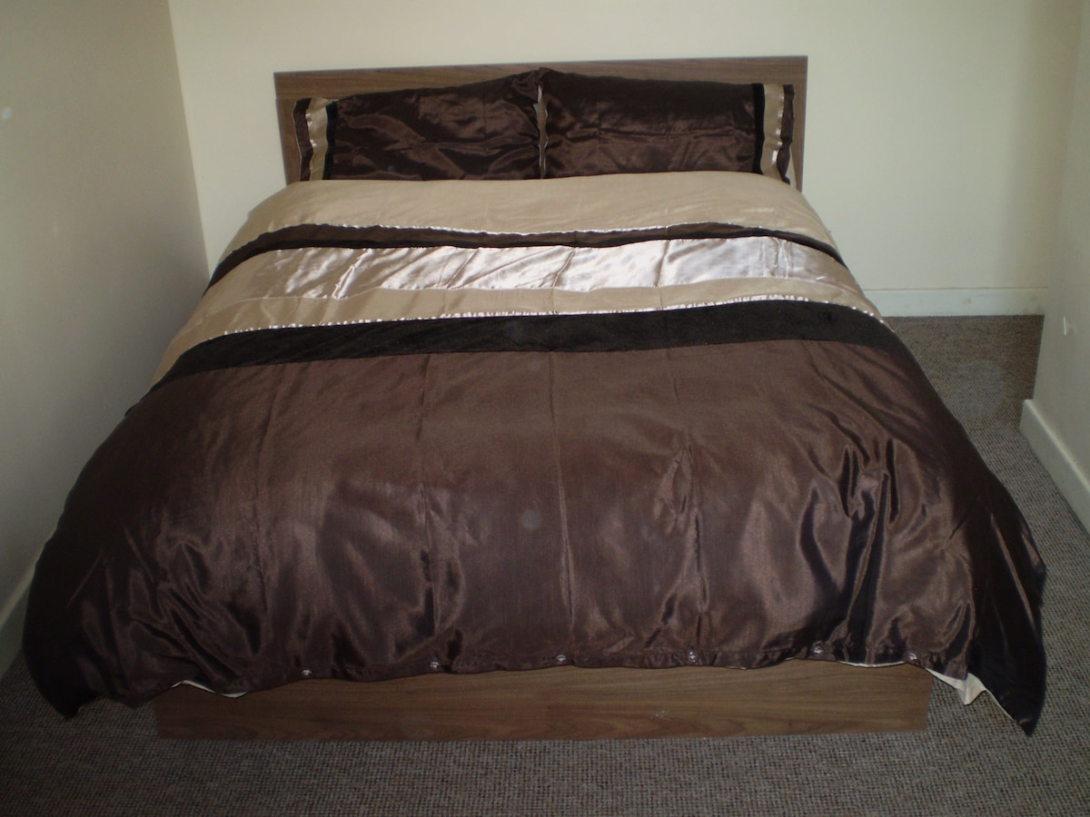 Double bed in double room