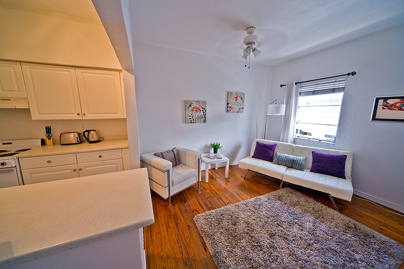 1 bed in the center of South Beach