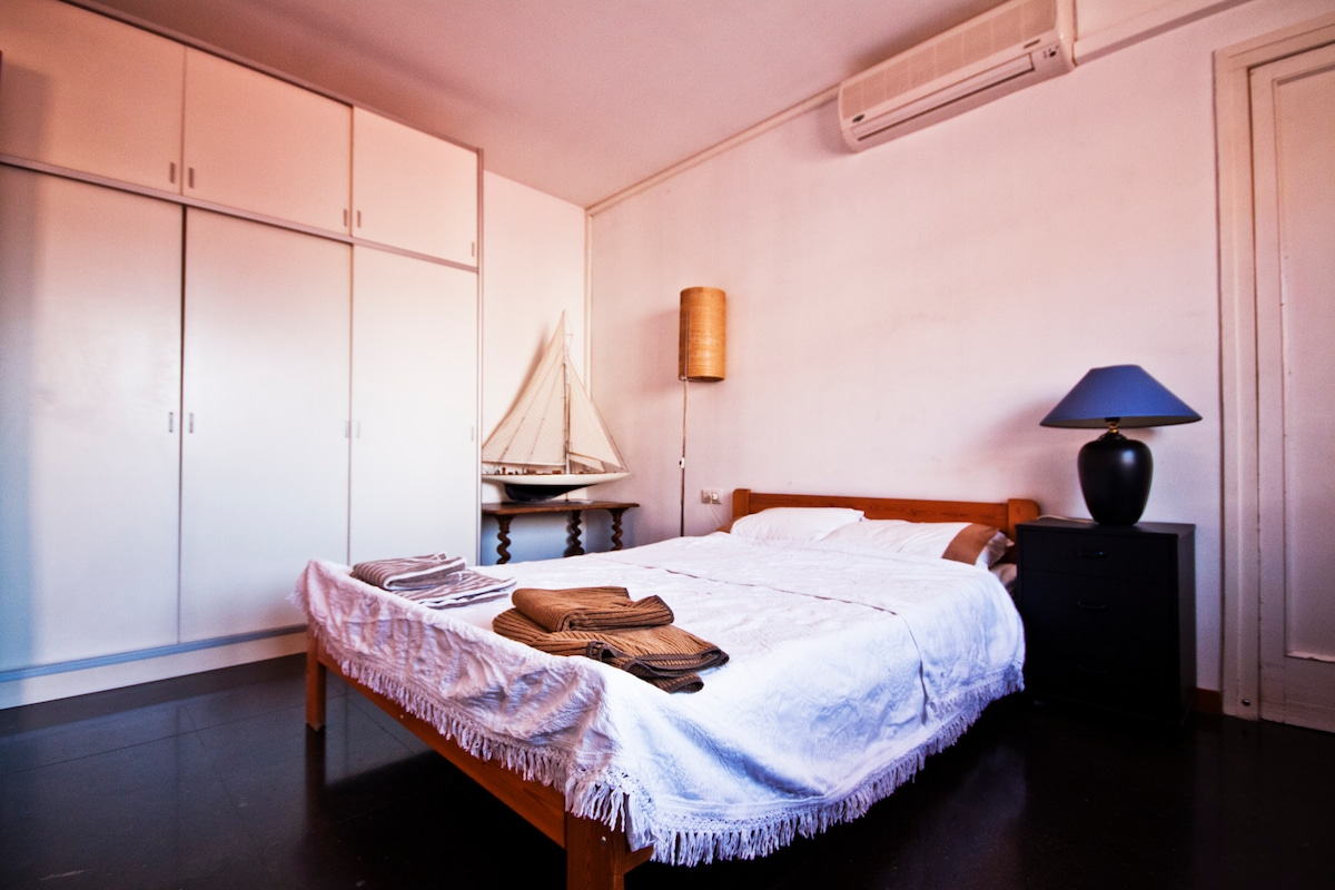 The room is air-conditioned (although A/C is rarely needed as we live on a hill). There's also plenty of storage space for your belongings.