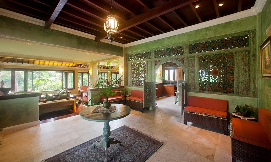 Villa Pelangi foyer area