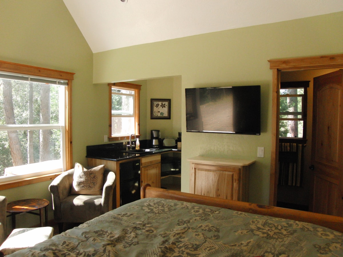 Super cozy room with comfortable queen bed and great little kitchenette.