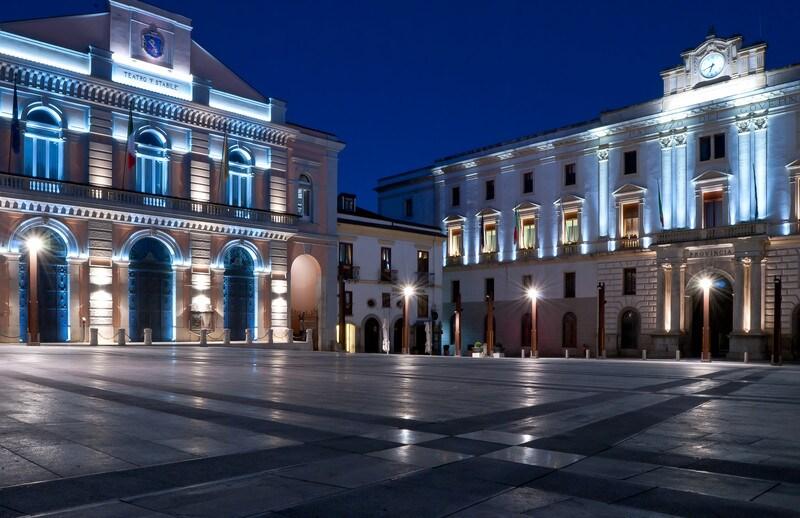Piazza centrale di Potenza (Piazza Mario Pagano detta Piazza Prefettura)