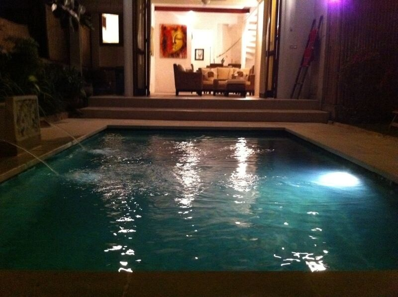 Night picture of the pool