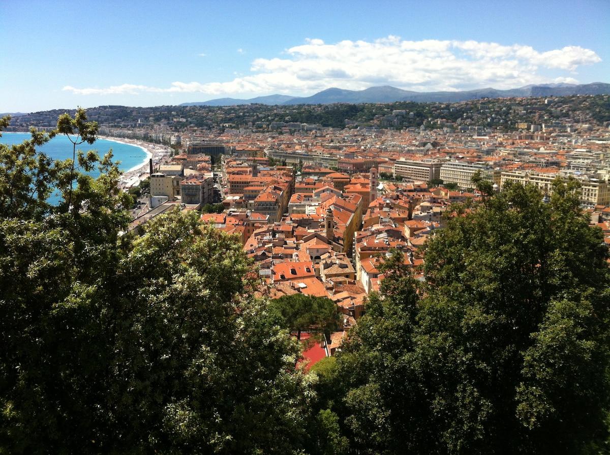 Nice vue du chateau.
