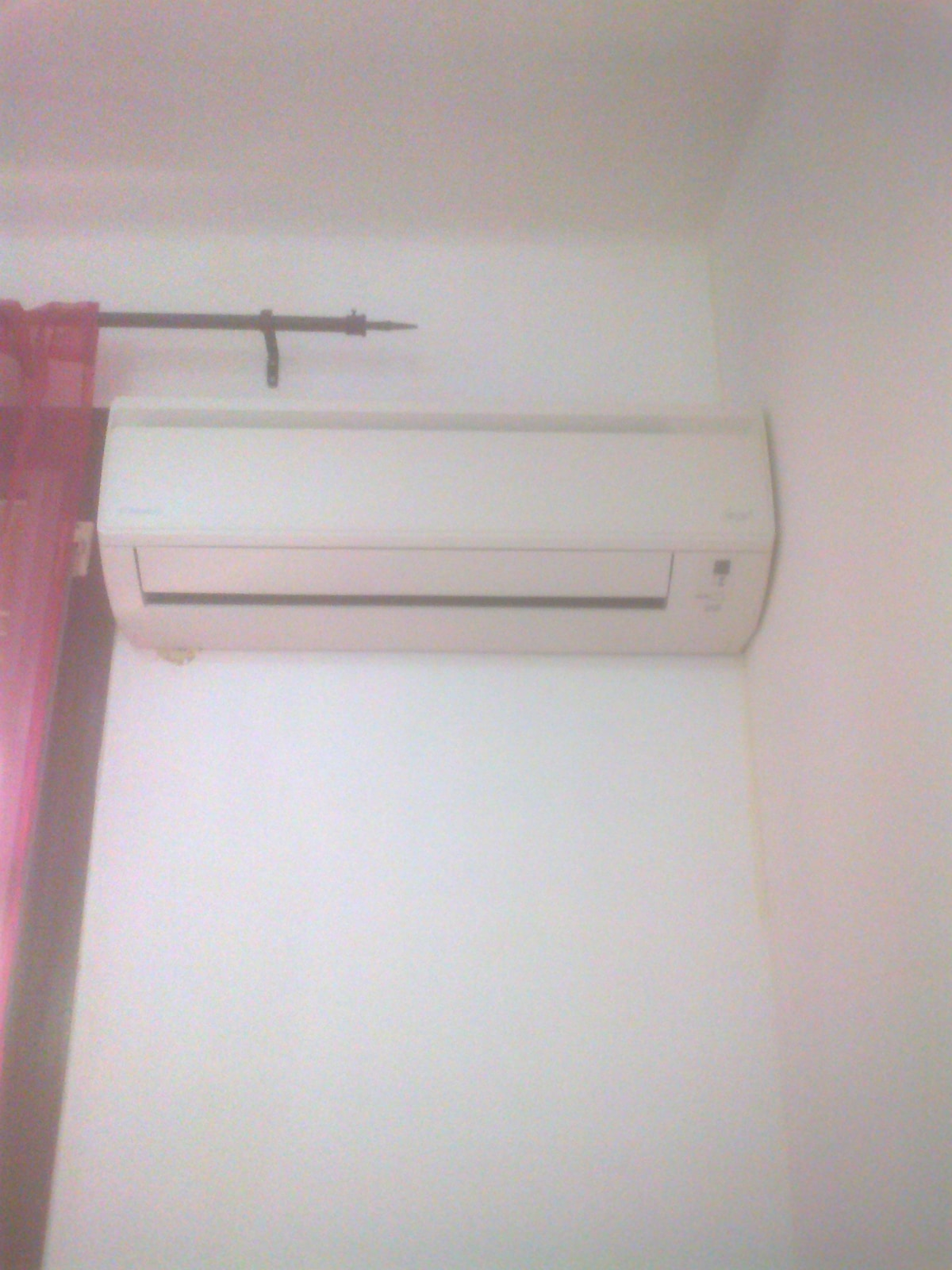 AIR-CONDITIONING: very important in Summer in Barcelona