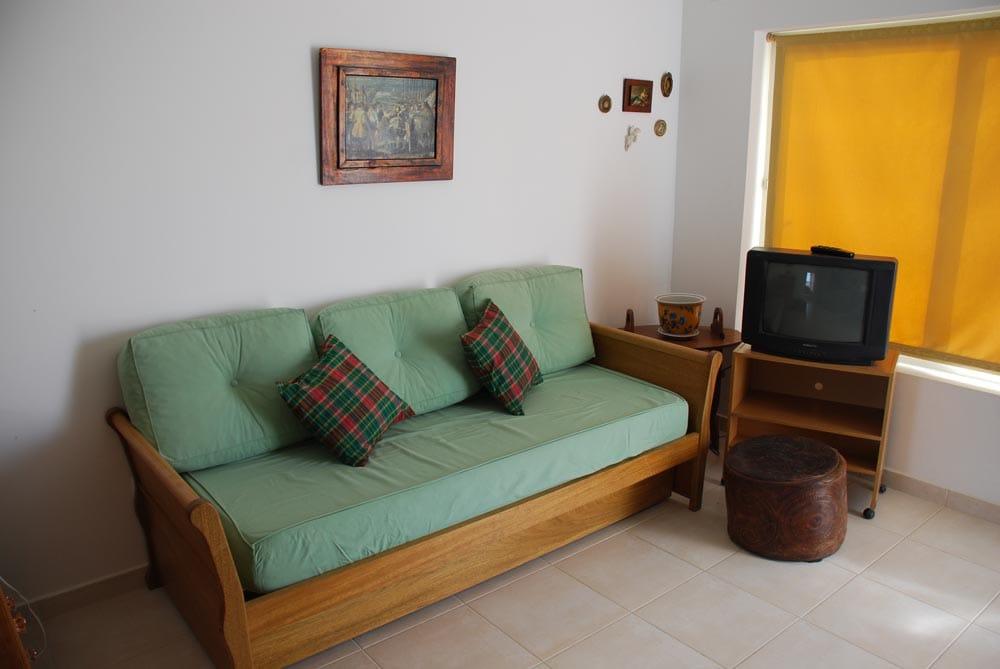 sofa bed in living room - sofa cama en living room