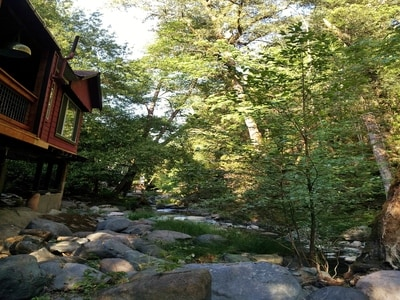 The exterior of the cabin and the outdoors