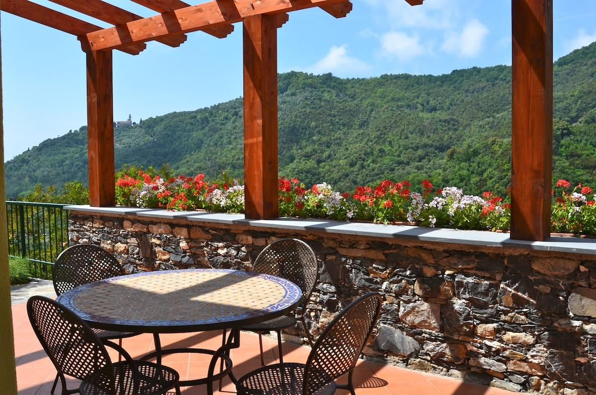 Near Cinque Terre Villa with Garden