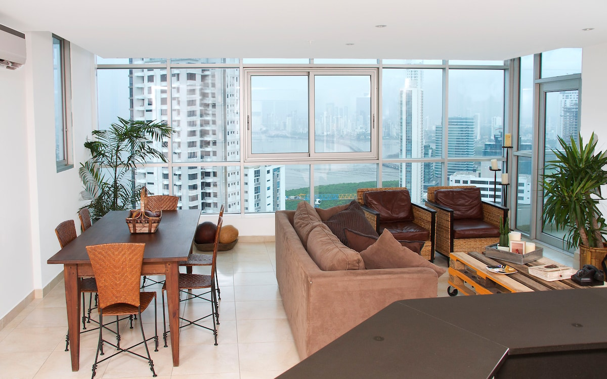 Living Room and Dining Room with breathtaking view of the whole city