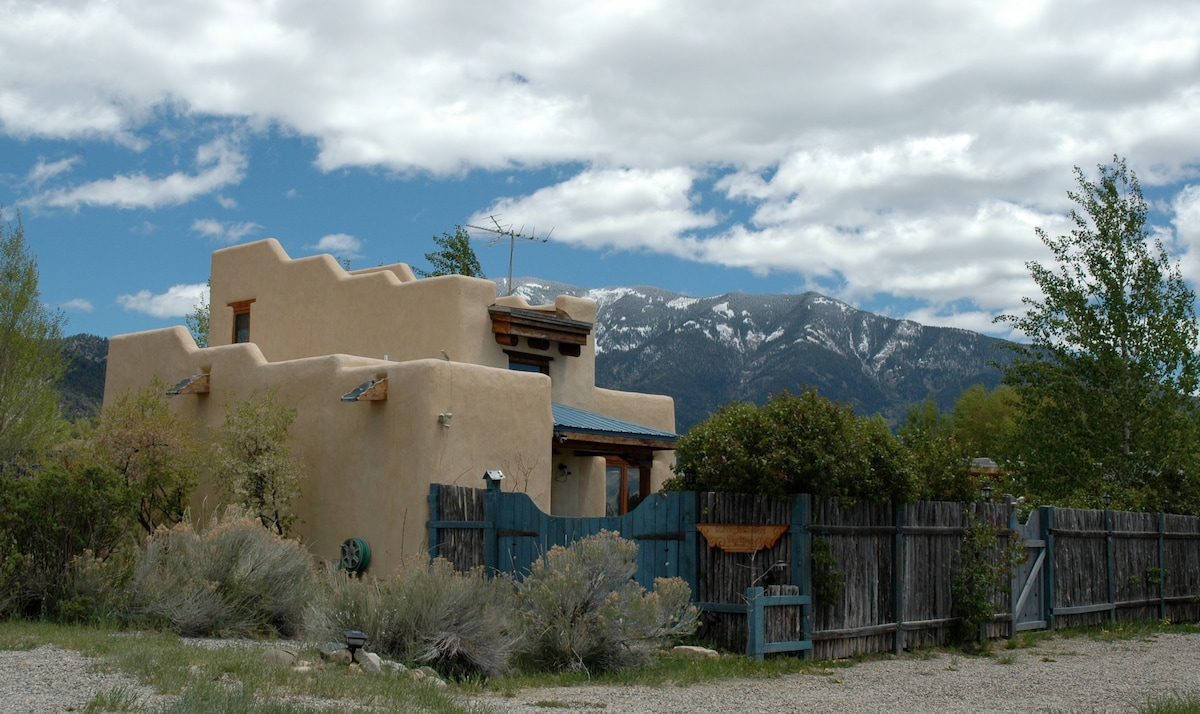 Kitty's Casita, Taos' Cutest Casita