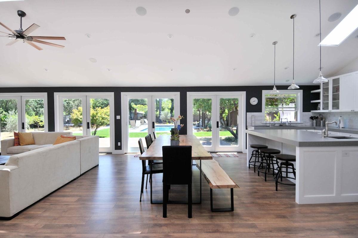 Integrated indoor/outdoor living
