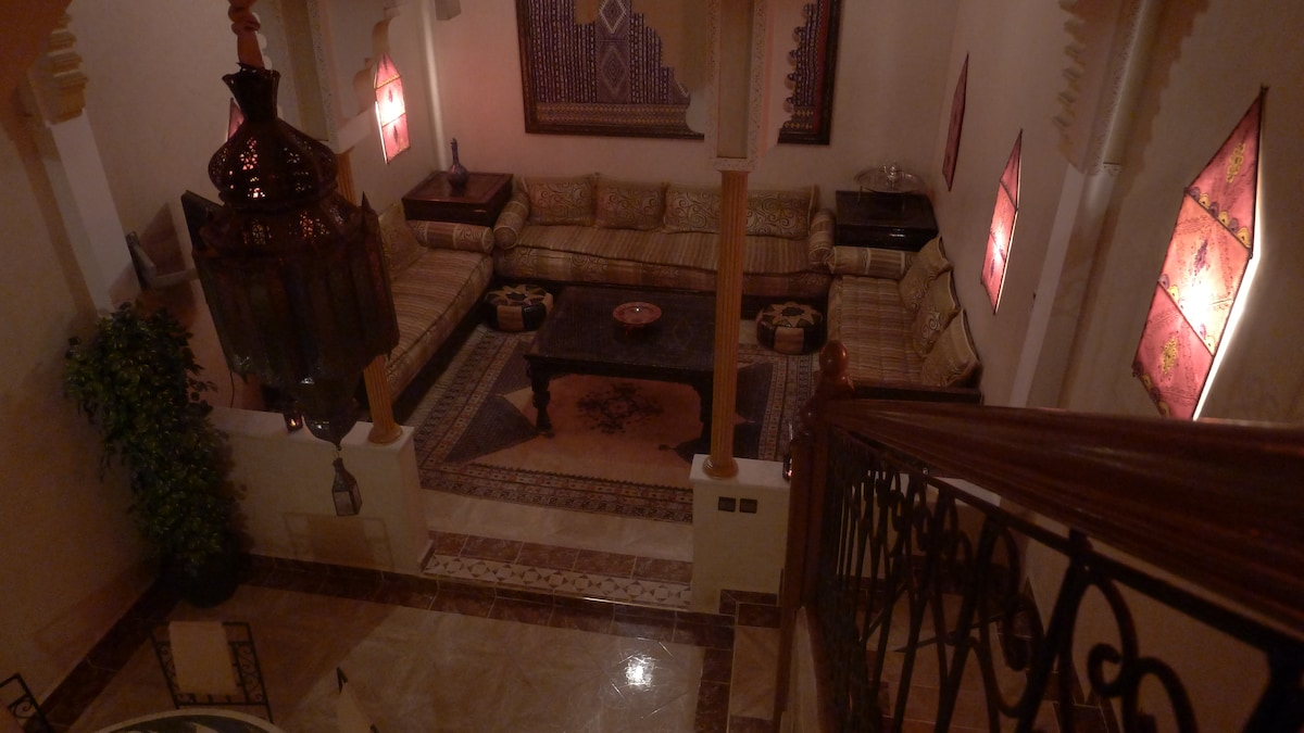 Salon vu des escaliers