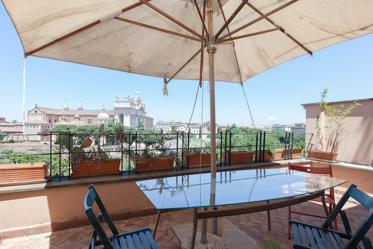 1. Beautiful apartment in the centre of Rome