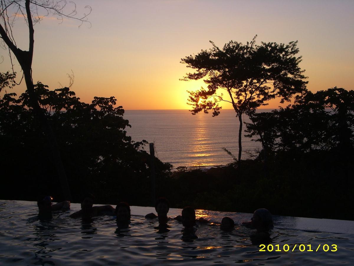 Casa de La Luna Costa Rica B&B