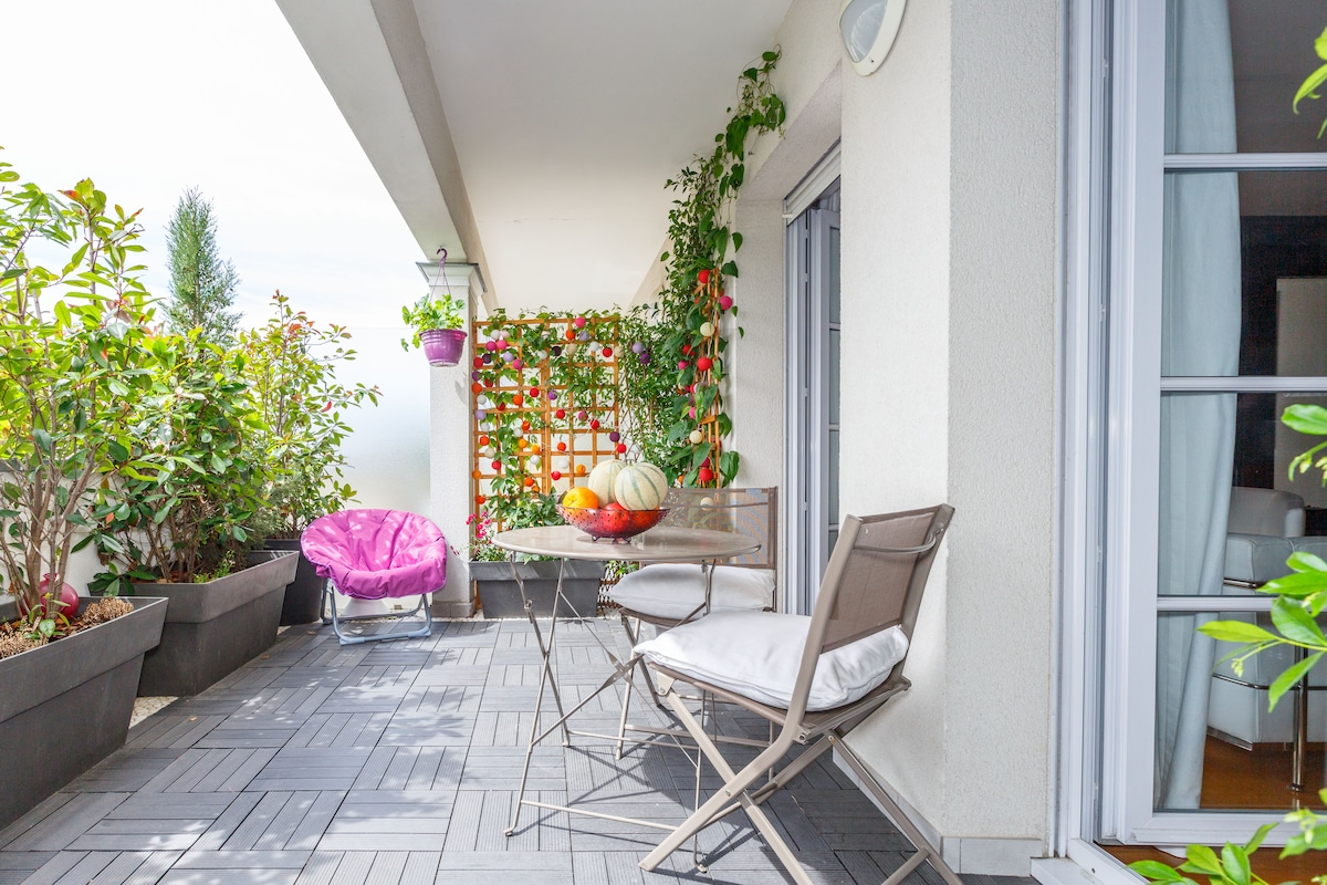 flat in la Défense with terasse