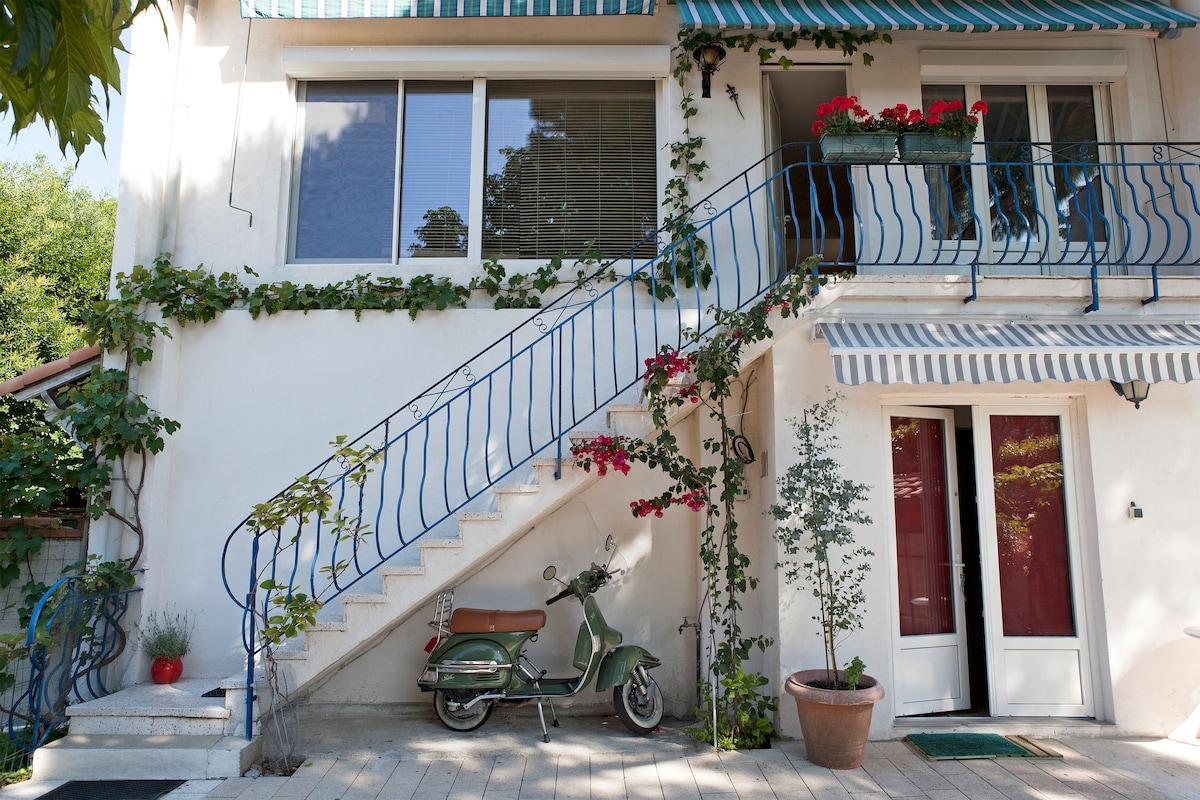 Duplex House w. garden Montpellier