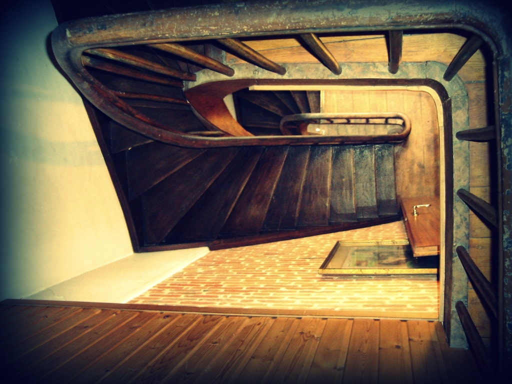 steps to bathroom