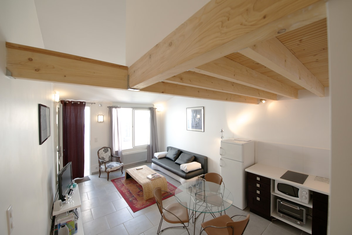 10 mn to arena, Cosy studio loft