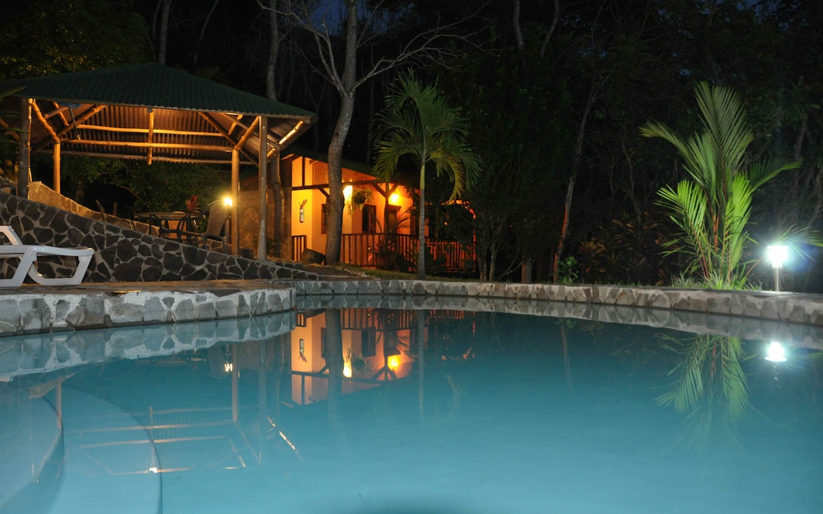 Tiriguro Lodge-B&B- Carambola