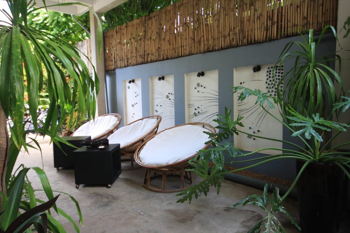 Frangipani Villa-60s Hotel Walkway