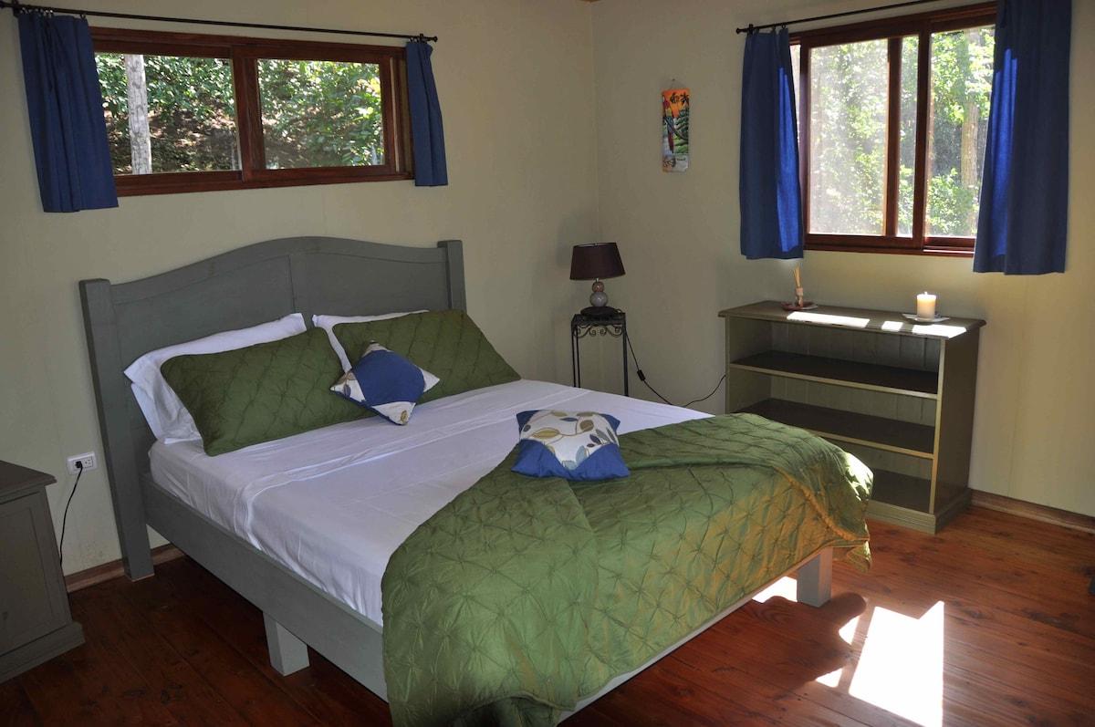 Bedroom Carambola