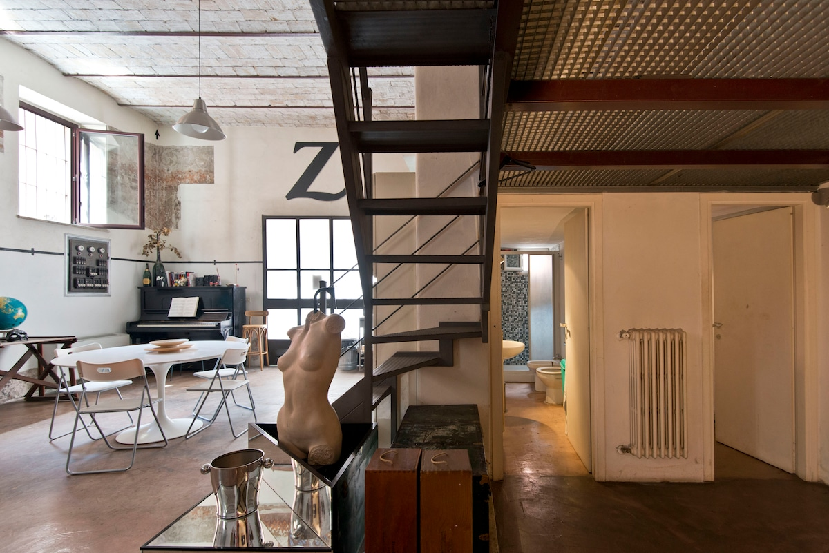 Unique loft, central bohemian area