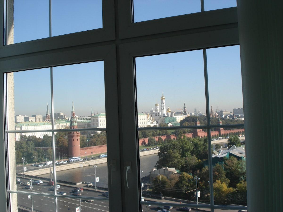 Great Room overlooking Kremlin