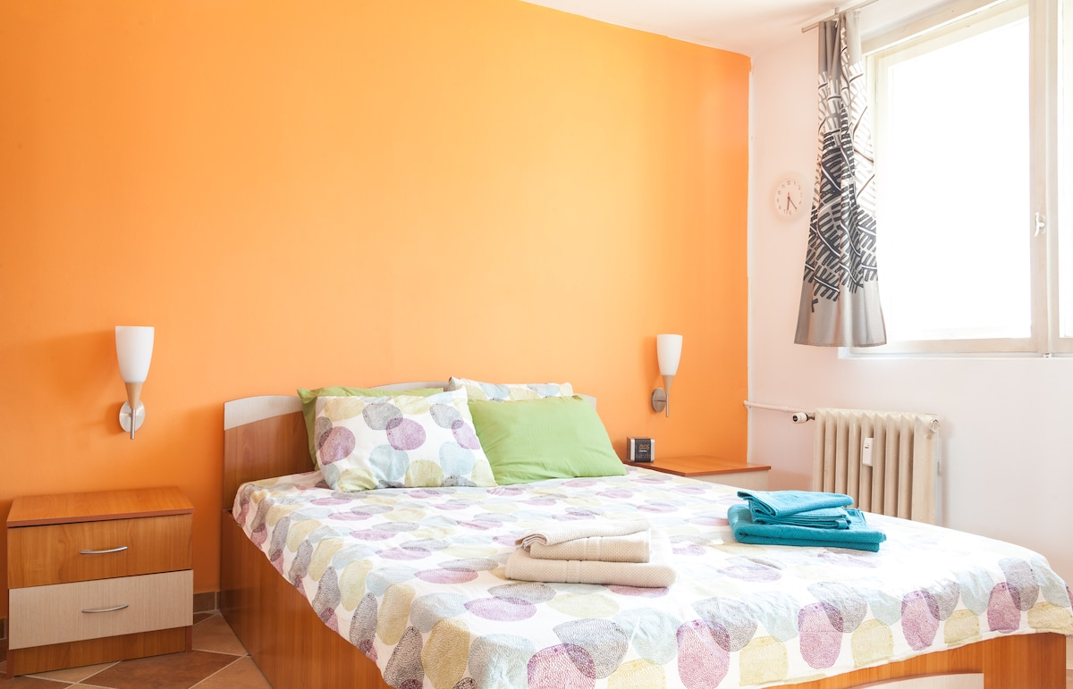 BEDROOM - Color and light!