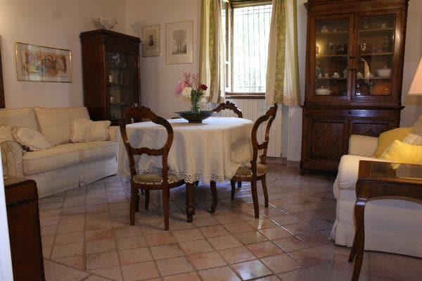Stanza privata a Colle Umberto I
