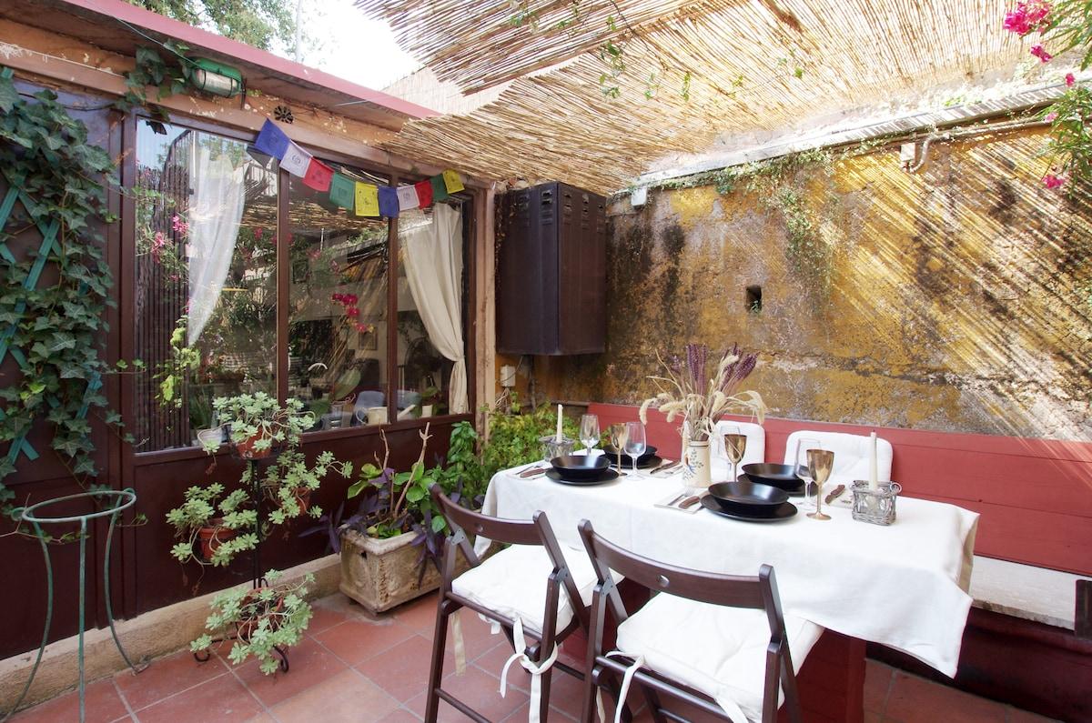 Unique cottage in center of Roma!