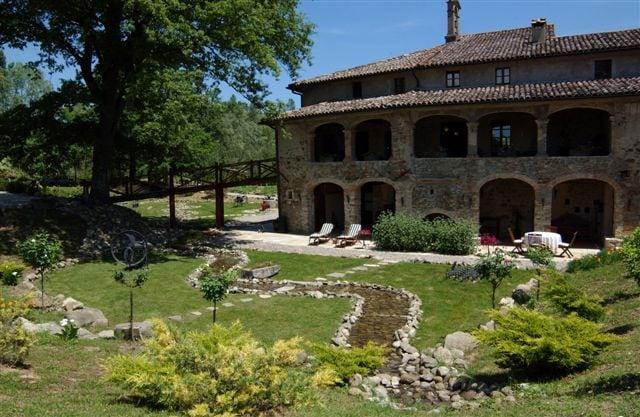 La Preghiera Estate, pool & garden
