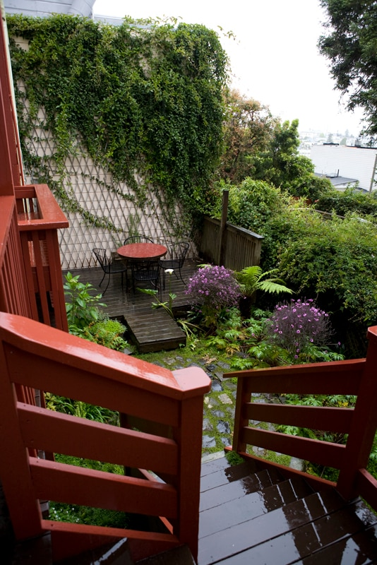 private garden; enjoy your morning coffee outside!