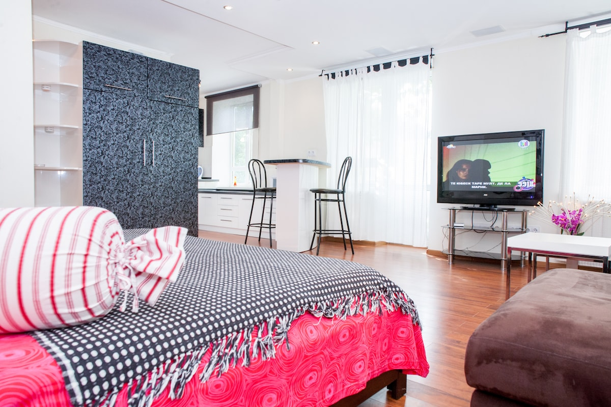 One-room studio-suite in Kishinev