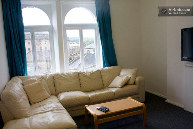 A Single Room in Central Buxton 10