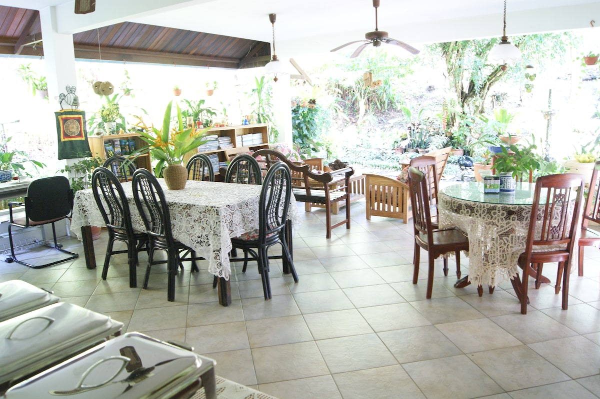 Brahminy VILLA $388/House 5 rooms
