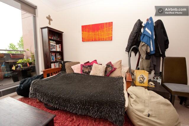 Eco-conscious Traveller: Sofa Couch