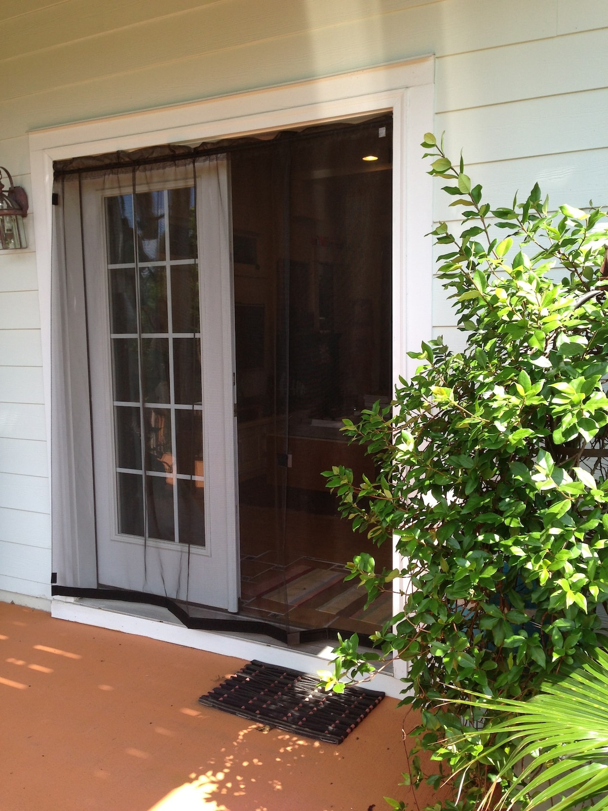 Your private screened entrance.