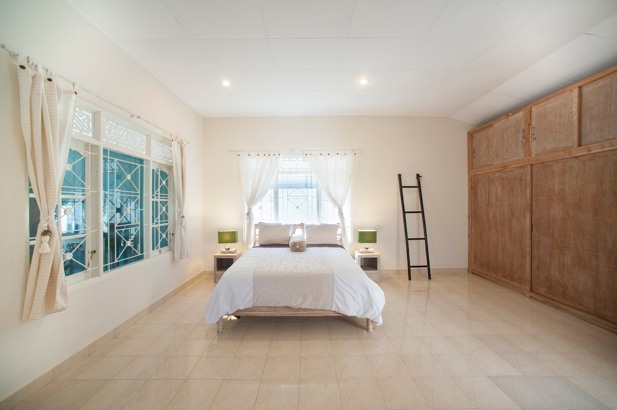 Very Big Bedroom for extra Comfort with View towards the Swimming Pool